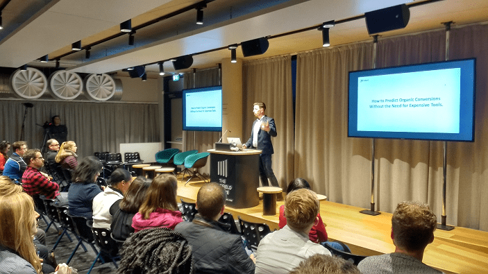 Richard Petersen-Hall of Clinked, speaking at the Optimisey SEO event